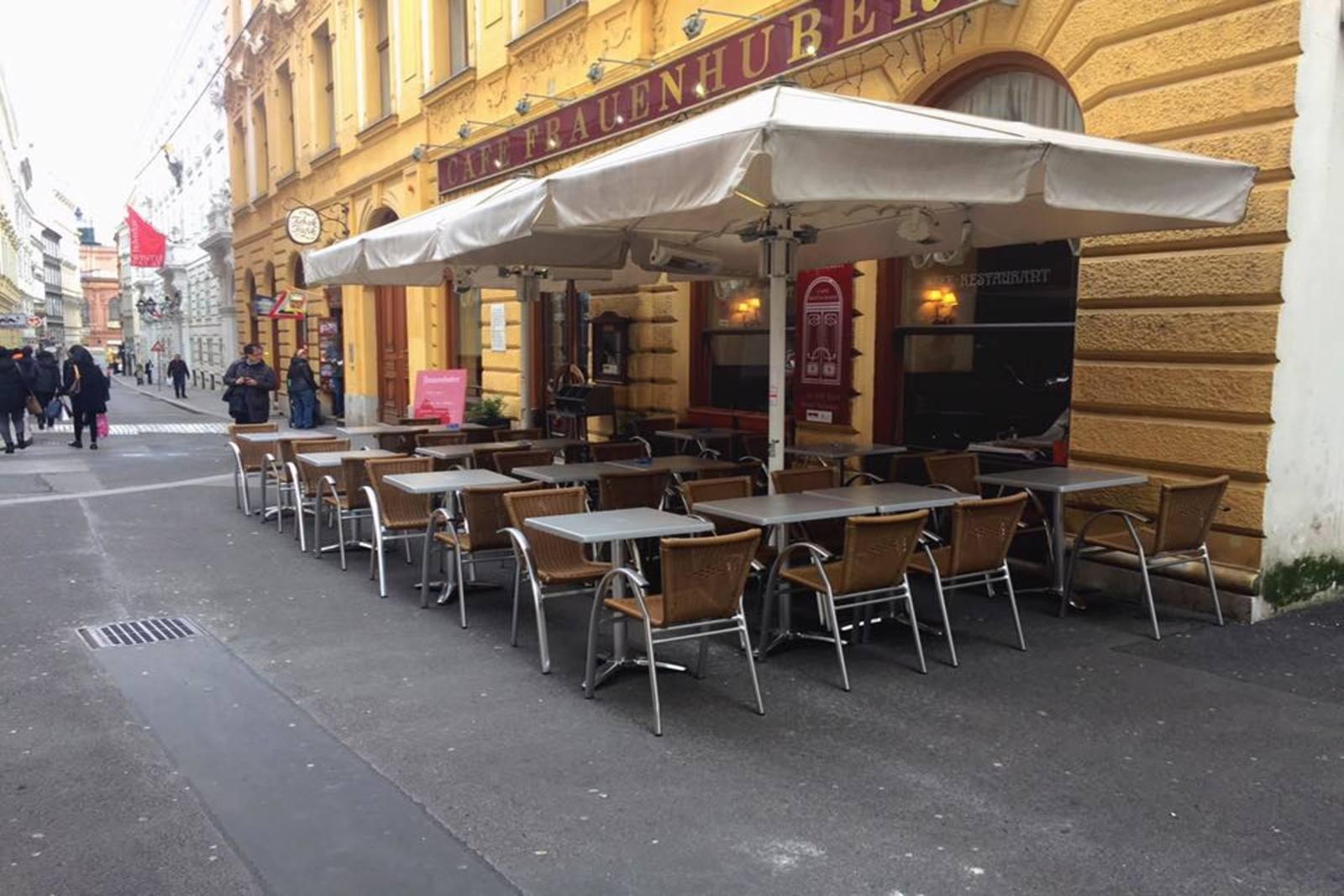 Cafe_Frauenhuber_3_1600x1067