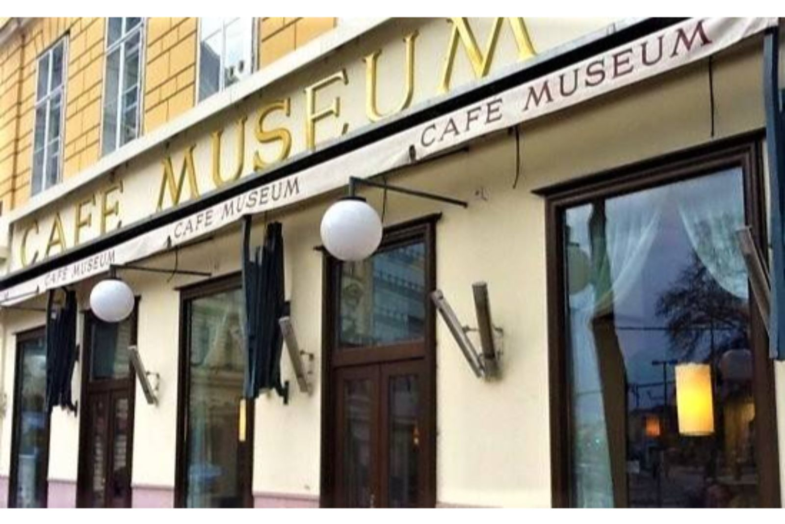 cafe museum 9